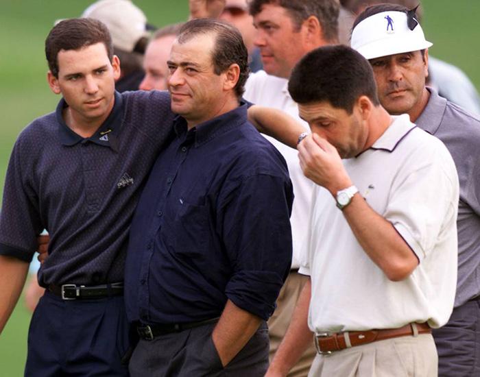 Sergio García, Constantino Rocca, Darren Clarke, Jose María Olazabal y Seve Ballesteros, en el Volvo Masters European Tour de 1999. / DESMOND BOYLAN (REUTERS)